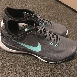 Nike Flex Supreme Train 4